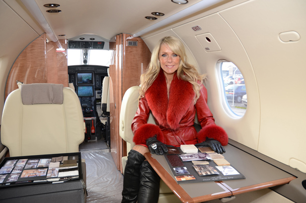 Celia Sawyer adds colour to Pilatus PC-12 interior