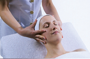 Thay OM Dermosense Body Treatment and Collin Facial