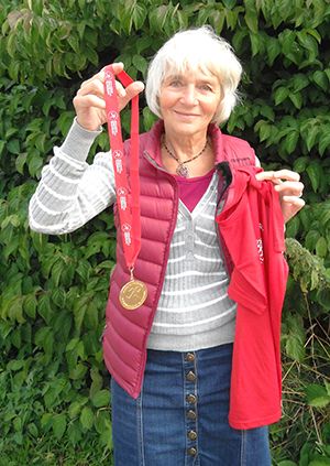 Wendy Bainbridge with her medal © Ruth Mills