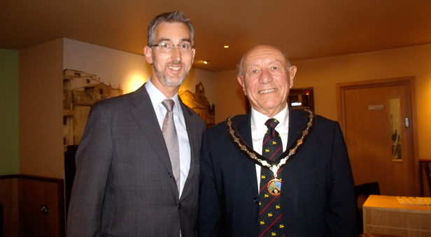 Philip Moses, Chair of Verwood Business thanks the Mayor of Verwood, Cllr Peter Richardson for an interesting talk