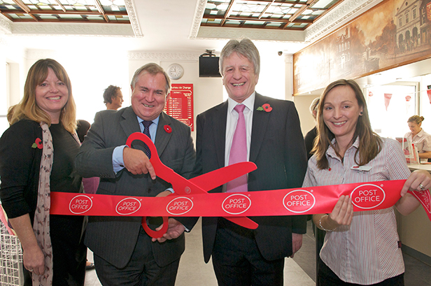 Robert Walter MP cuts ribbon