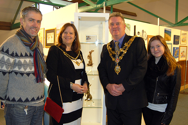 Sculptor David Rowland with the Mayor and Mayoress of Poole