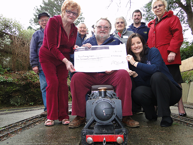 Luscombe Valley Railway cheque-presentation to Lewis-Manning