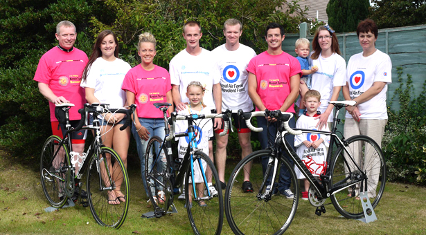 Fundraisers Paul and James Heaton with their family.
