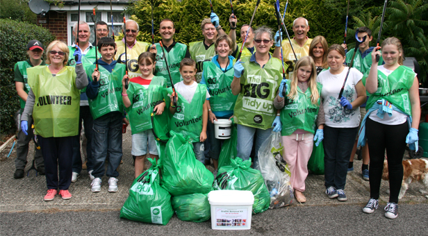 Some of the volunteers who turned up to do the litter pick.