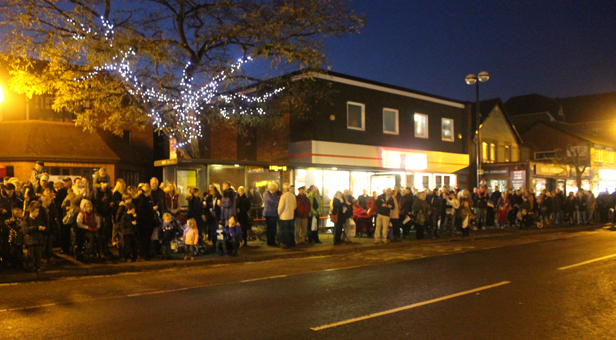 Families line Victoria Road waiting for Santa