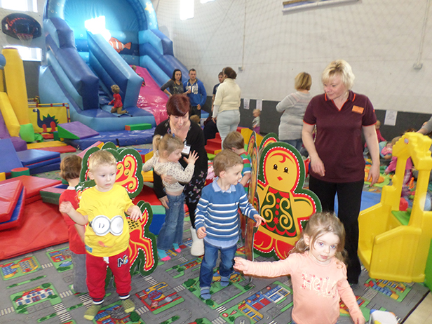 Children learning about recycling with Lisa Guy and Sue Blundell at the Thursday Soft Play group at the Heatherlands Centre in Ferndown