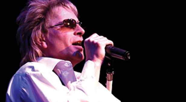 Paul Metcalfe singing