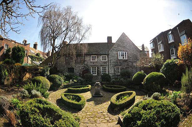 Scaplen's Court Garden - An oasis of calm