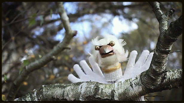 'Glovebird' from Hand to Mouth Theatre's show 'Flights of Fancy'