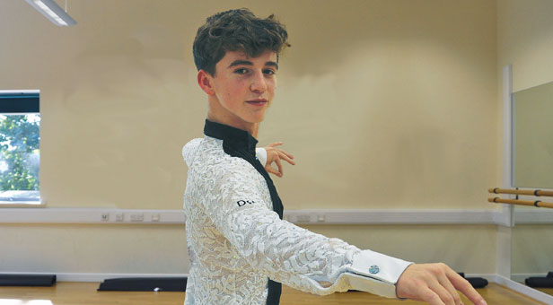 LeAF Studio's Oliver Beardmore has been crowned Junior Latin champion and overall runner-up in the World 10 Dance Championships, held in Russia.