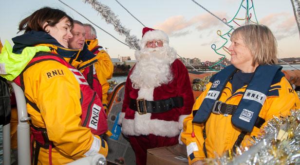 Santa-Ahoy-on-Poole-Quay