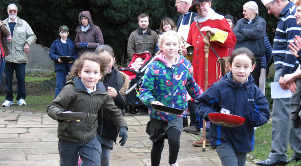 Pancake-day-races-in-Wimborne