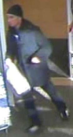 Tesco-Blandford-shoplifting-CCTV