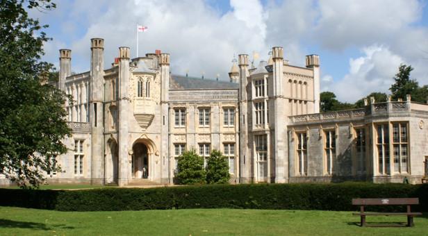 Highcliffe-Castle