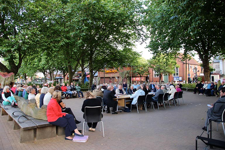 Ringwood Town Council open air meeting 2015