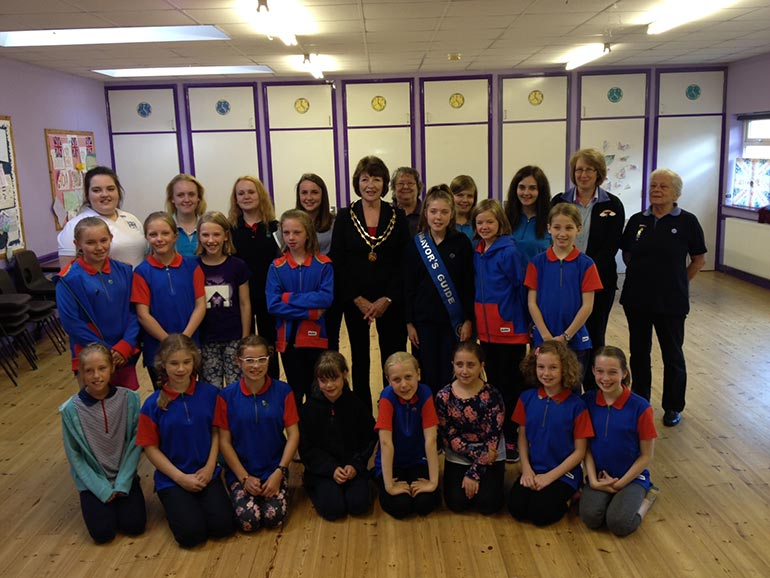 Verwood Mayor with Guides