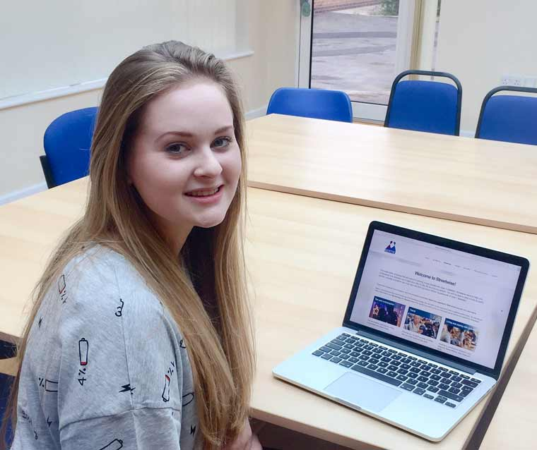 Katie Arnold, 17 from Bournemouth, using Bertie Online