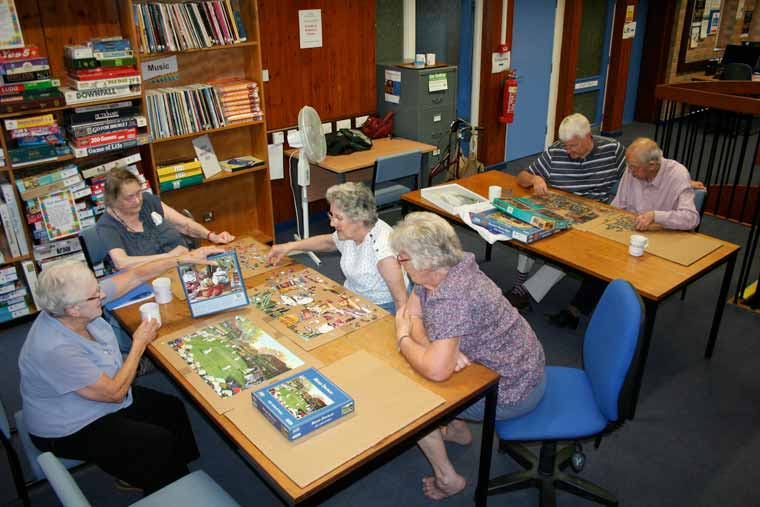 Wimborne Library jigsaw club