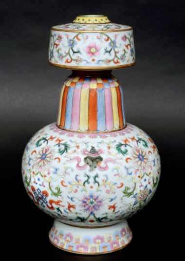 Chinese Tibetan Temple Vase sells for over £300,000