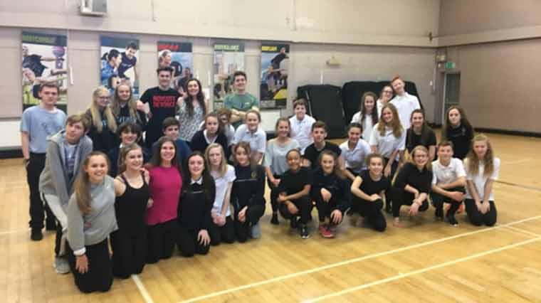 West End Performer visits QE School