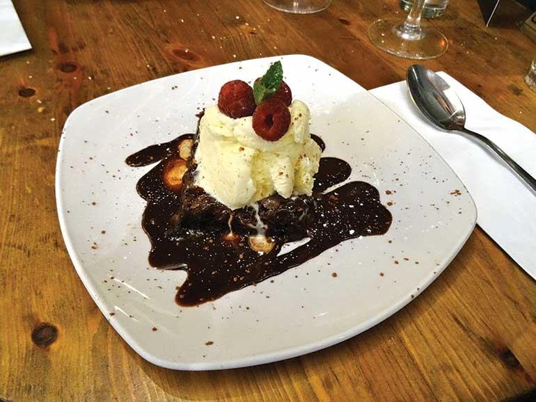 Avon Causeway: Chocolate Brownie with Ice Cream