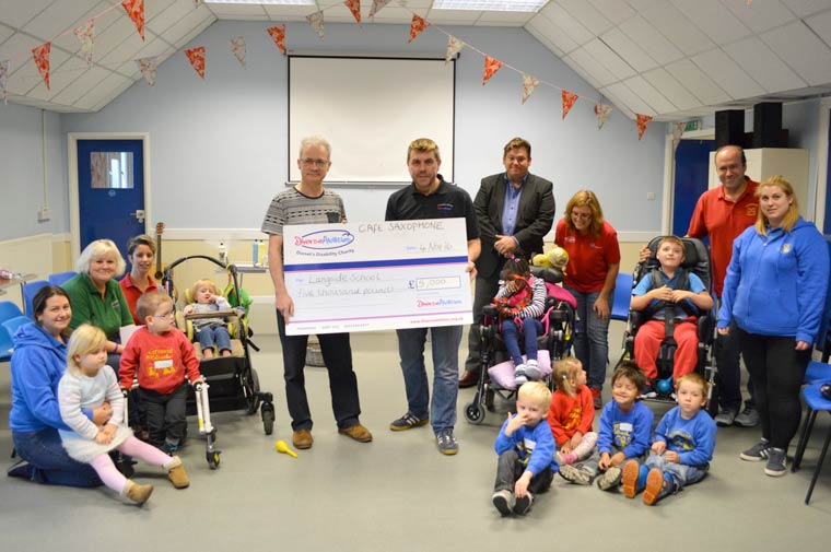 Saxophonist donates £5,000 to Diverse Abilities