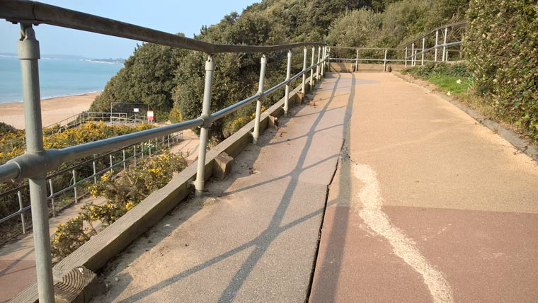 Highcliffe Zigzag to remain closed until 2018