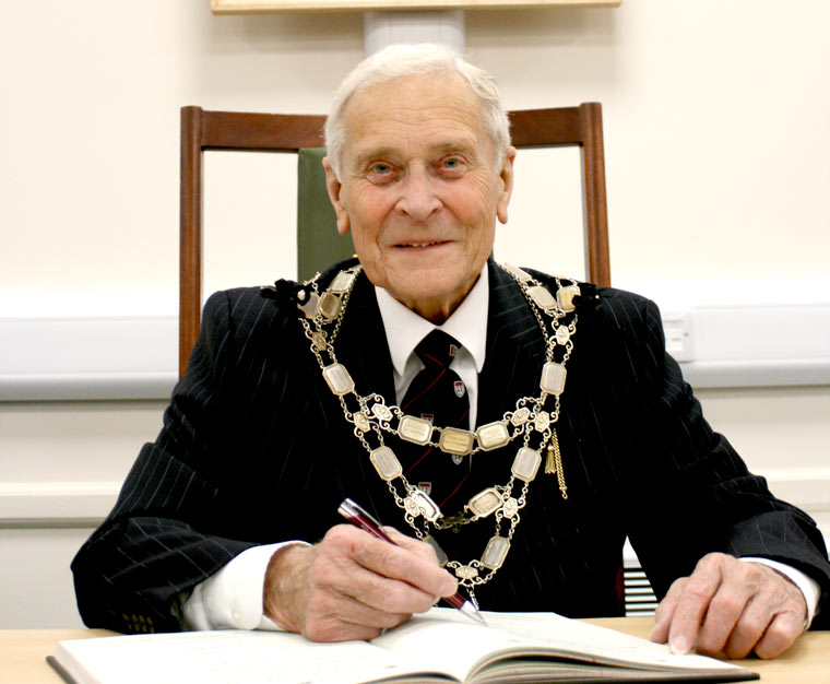 Cllr Derek Burt sworn in as chairman of East Dorset District Council for the third time