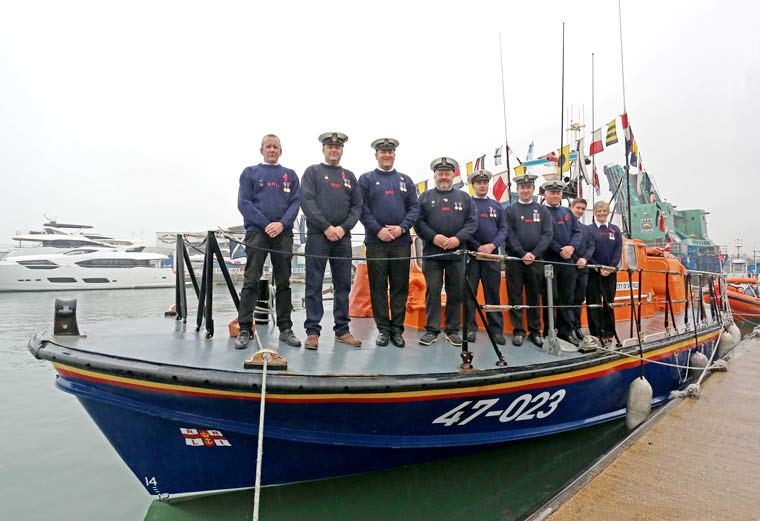 Poole lifeboat crews says farewell to Tyne