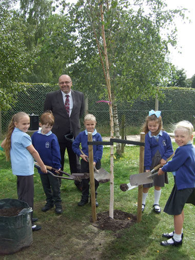 Hillside First School celebrate its 50th year with a tree planting ceremony