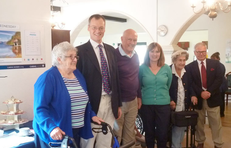 MP Michael Tomlinson visits Magna Care Centre