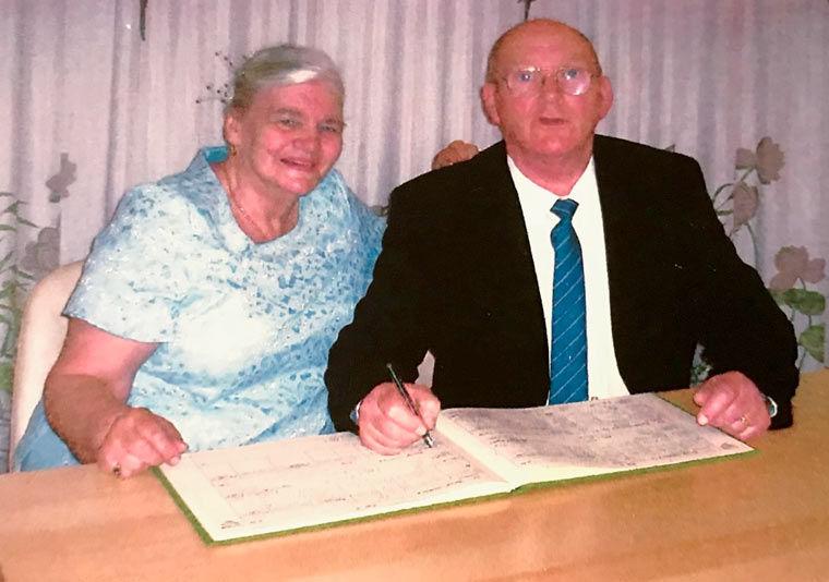 Cathy, whose handbag was stolen, with late husband Nigel