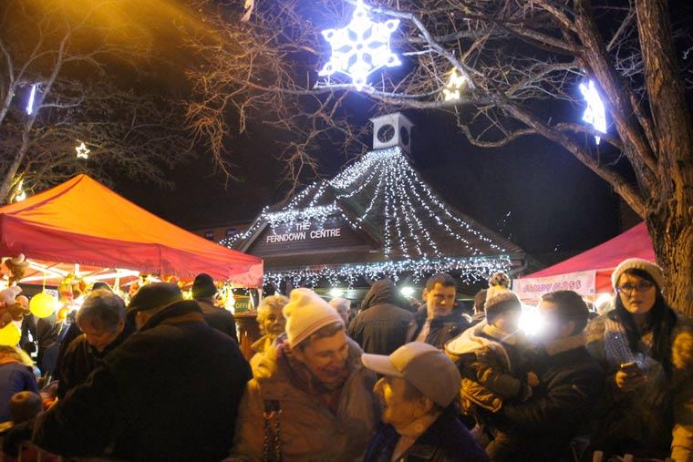 Sarah Farmer to switch on Ferndown's Christmas lights