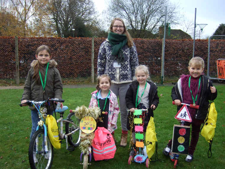 Hillside First School in Verwood awarded bronze for ditching cars