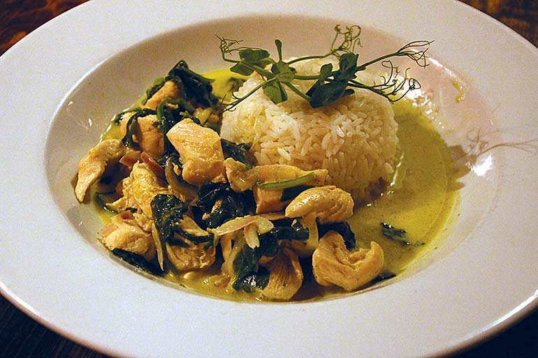 Old Inn Thai green curry