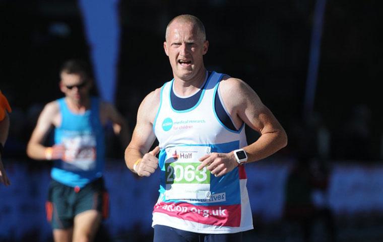 Lee Collier fastest marathon mascot world record