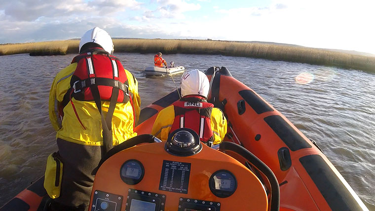 Poole Lifeboat dinghy rescue 2018
