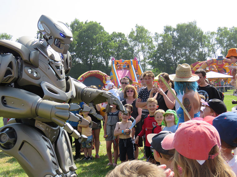 Verwood Carnival Titan the Robot