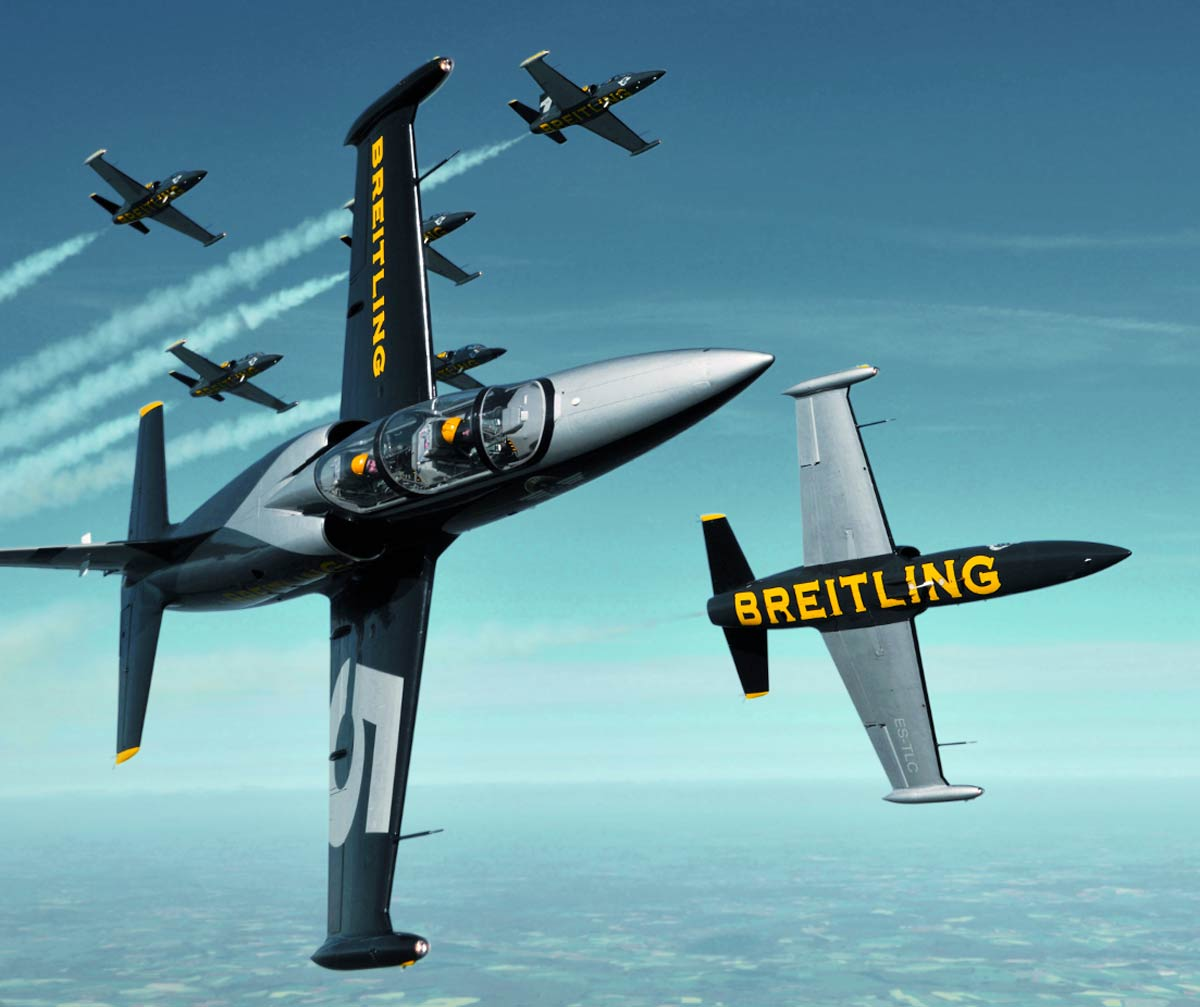 World-famous Breitling Jet Team head to Bournemouth Air Festival