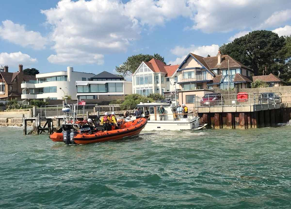 Poole Lifeboat recognise stricken vessel as belonging to one of their RNLI volunteers