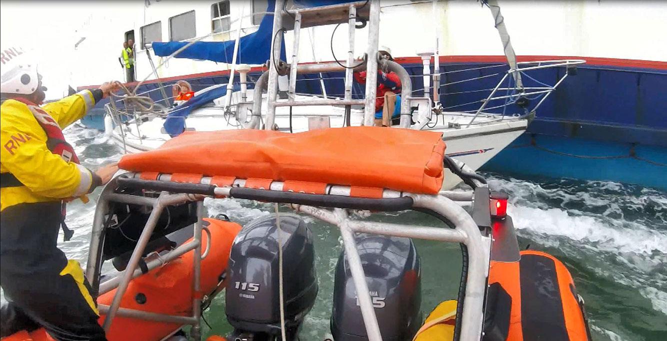 RNLI frees yacht pinned to Sandbanks chain ferry