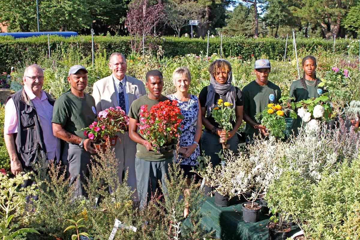 Students from Bermuda visit Bournemouth for horticultural work placement.
