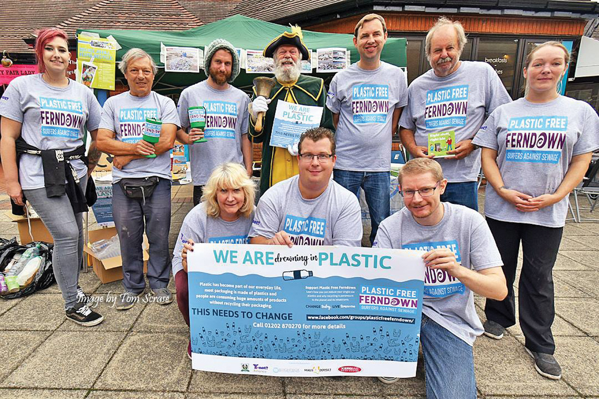 Plastic Free Ferndown volunteers with Mike Andrews the town crier, and Lou from the Flying Teapot (far right) © Tom Scrase