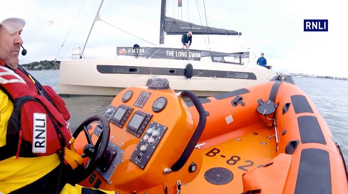Poole lifeboat launched after 46 foot yacht hits chain ferry