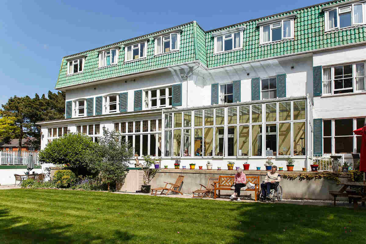 Unique hotel for cancer patients achieves National Recognition of Excellence for second year