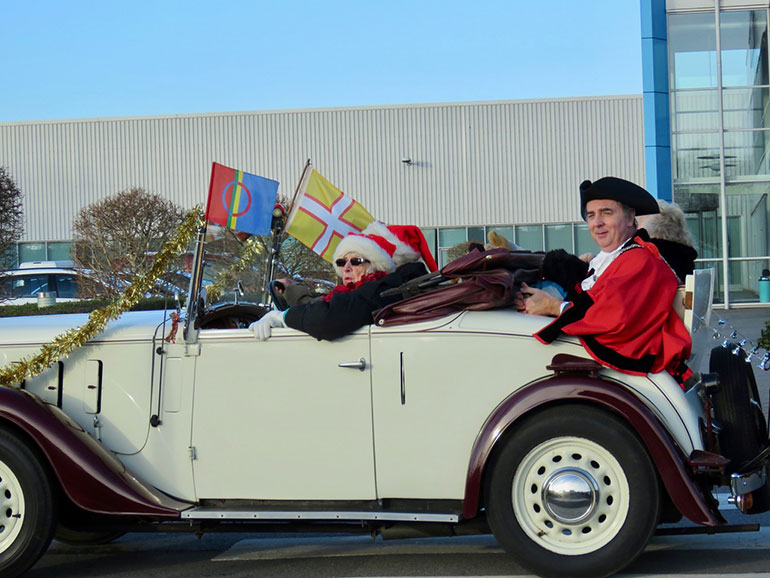 Mayor of Wimborne in car at Save the Children parade