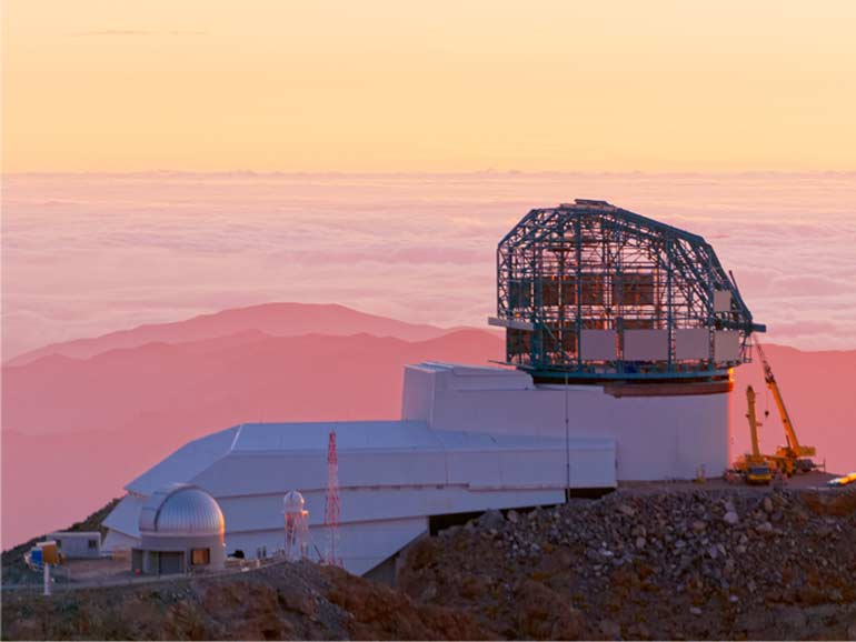 Rubin Observatory at Sunset © Rubin Observatory