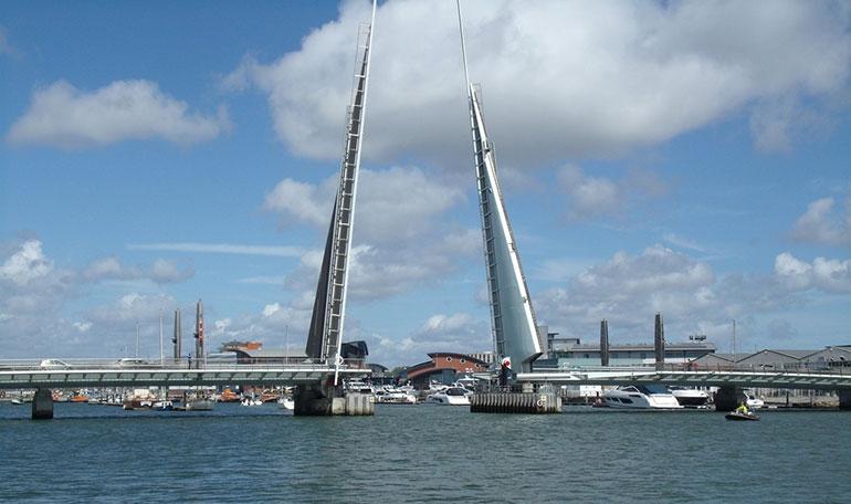 Twin sails bridge Poole stuck up