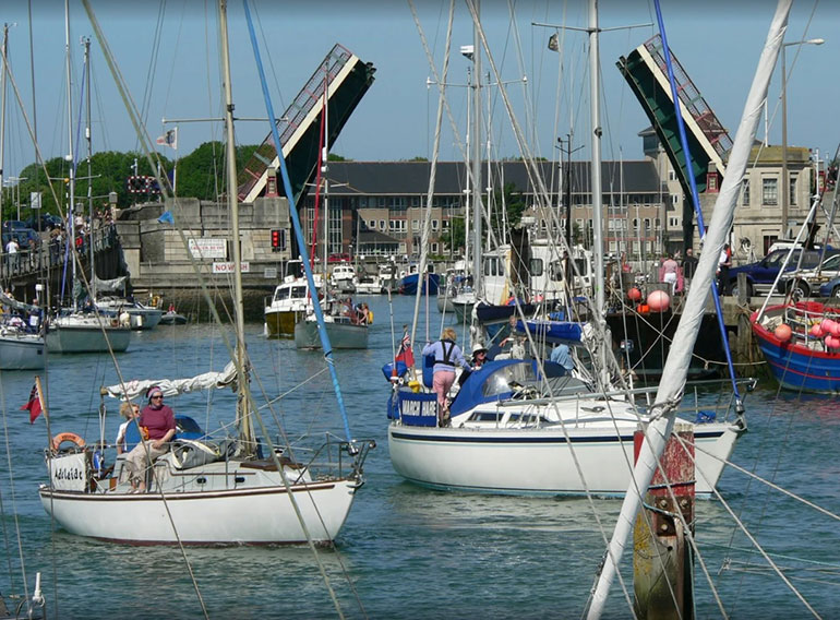 Weymouth-Bridge-boats